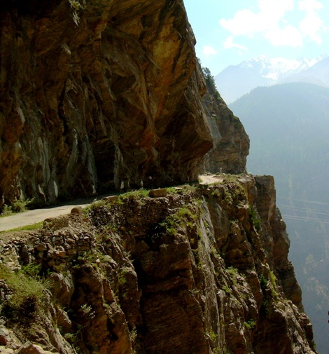 Way to Roghi from Kalpa