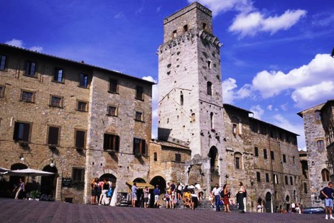 San Gimignano is known for art, architecture and unbelieveble natural beauty.