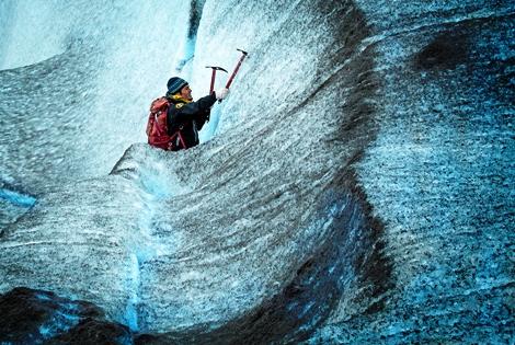 Mountain Climber Climbing Ice | Photo credit: Pablo Bugani | source: www.goodfreephotos.com