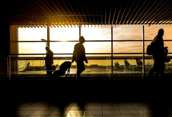 airport-1822133_960_720